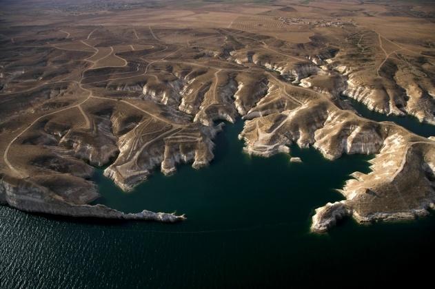 بحيرة الأسد بالقرب من الرقة